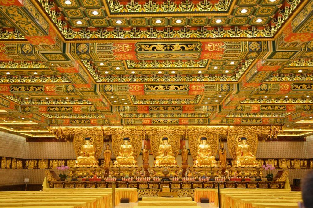 Grand hall of Ten Thousand Buddhas